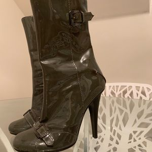 CNC made in italy gray patent leather boots